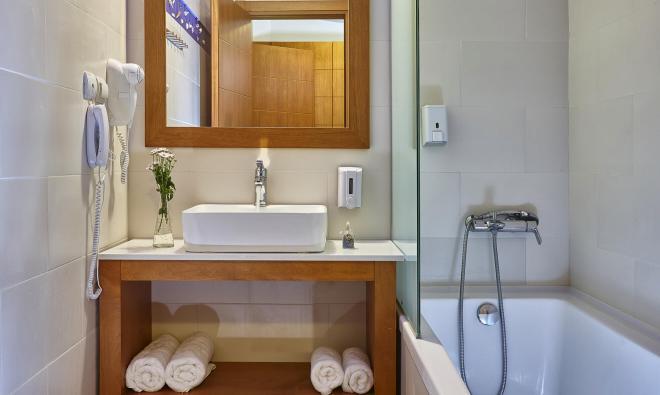 DPSV triple bathroom